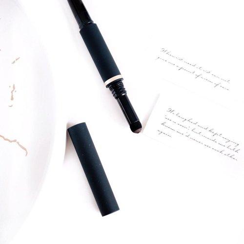 #Repost from Clozette Ambassador @tephieteph.   Eyebrows [ahy-brou] noun - The one thing you can get into shape without exercising ☘️ . . . #clozetteid  #madebyruna  #eyebrowtutorial  #eyebrowpencil  #eyebrowshaping  #bloggerindonesia  #bloggerjakarta  #bloggersurabaya
