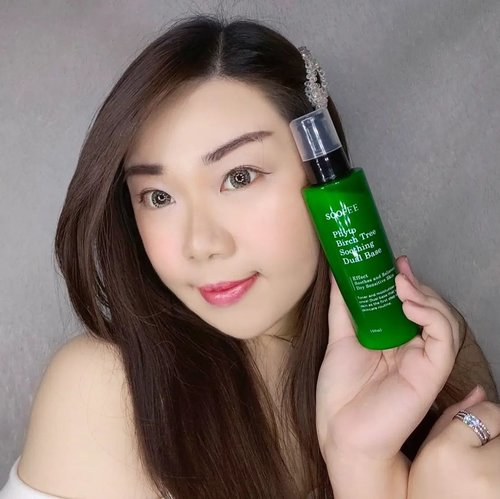#Repost from Clozetter @Mgirl83.  Soothing toner and moisturizer in one easy step!  No more excuses to be lazy with your skincare with this @soofee_official Phyto Birch Tree Soothing Dual Baseas you can do both toning and moisturizing in one simple step!  Has a light lotion-y texture and fresh scent, it gives an immediate soothing and cooling sensation (the mild and calming type of cooling, not the intense, minty type), i was worried i would miss the freshness a regular watery toner gives me but the cooling sensation more than makes up for it . It gets absorbed into the skin fast without any sticky nor greasy residue, yet it is able to give skin the deep hydration it needs.  Especially designed for dry, irritated skin, stressed and or tired skin, i was initially worried that it would be too rich for my oily skin - but it isn't! While drier skin types would need to apply more moisturizer afterwards (it is described as the first step in your skincare), it is already more than enough on its own for my oily skin.  Made from Birch Tree Leaf Extract from SK forest at Indeung Mountain, Chungju - Soofee make sure they use only the best raw materials by carefuly selecting and refining birch tree leaves the forest has been carrying for 40 years.  I am usually sensitive to tea tree that are commonly used in acne fighting/preventing products (they usually have this distinct, strong scent, it's probably a different type of tea tree because the scent is very different (a lot more subtle) and my skin also doesn't react negatively at all. Instead after regular usage for around 2 weeks, i notice my skin becomes clearer, healthier and calmer (less allergy flares) - i think all the claims they made (all 7 claims in the last 2 slides) i can safely stand by!  Definitely a skincare that my skin agrees with and i will continue using!  You can grab yours at my Charis Shop (Mgirl83) for a special price or type https://bit.ly/dualbaseMindy83 To directly go to the product's page 😉.  @hicharis