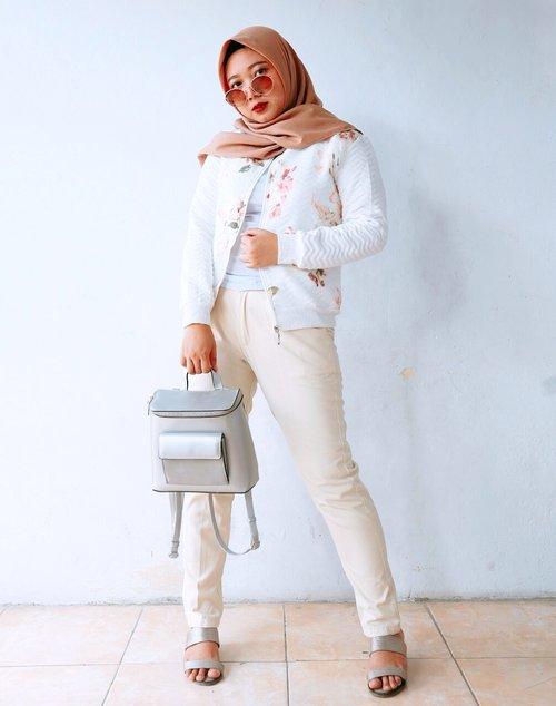 Outer : local brand (wearedollies) Pants : local brand (buy at shopee) Scraft : local brand (umama) Shoes : Bata Bag : miniso Sunglasses : rubi