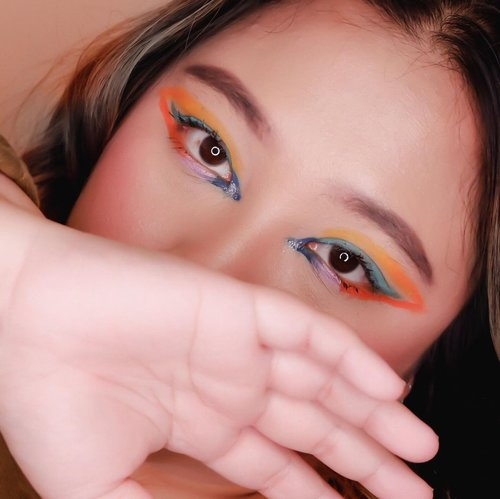 #Repost from Clozetter @reginapitupulu.  Terbingung bikin caption 💁🏻♀️ Pingin upload tapi, gatau banget mau nulis apa an. 🤡 . 🌈 @bellaoggiitaliaofficial Mascara 🌈 @beautyglazed Color Board Palette  🌈 @fanbocosmetics eyebrow pencil  .  #reginapittutorial #reginapitcom #bvlogger #bvloggerid #indobeauautygram #Clozetteid #bloggermafia #sbybeautyblogger #beautiesquad #indovidgram #indovlogger #batak #bataknese #beautybloggerindonesia #pinterestindonesia #pinterestmakeup