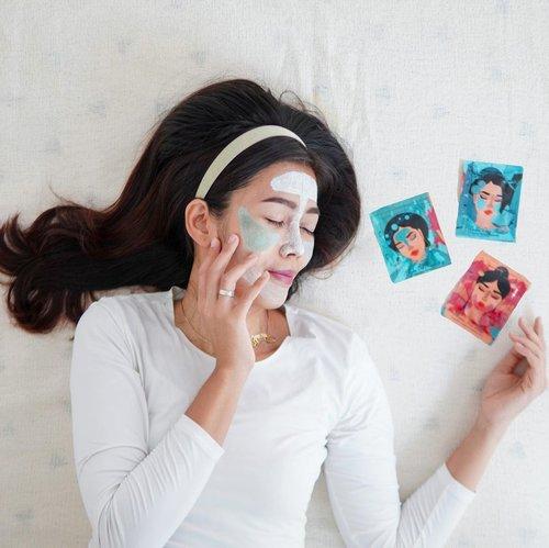 #Repost from Clozette Ambassador @diarykania.  Buy @maska.lab claymask get 3 variant 😍 💙Maska Pore Mask 💚Maska Oil Mask 💖Maska Fine Lines . Solusi setiap permasalahan kulit kamu. Bisa langsung multi-masking deh! Suka banget ada Cooling sensation yang menenangkan kulit. Kalau rutin pakai seminggu 2-3x akan membersihkan pori-pori dari komedo, mengecilkan tampilan pori-pori serta mengontrol kadar minyak berlebih dan mencerahkan kulit✨  Jangan lewatkan Mega Sale road to 10.10 di official shopnya di @shopee_id ya karena banyak promo menarik! Psst… Claymasknya cuma jadi 30RB- an aja! . #Claymask #MultiMask #skincare #facemask #MaskaLab #clozetteid #beautyregime