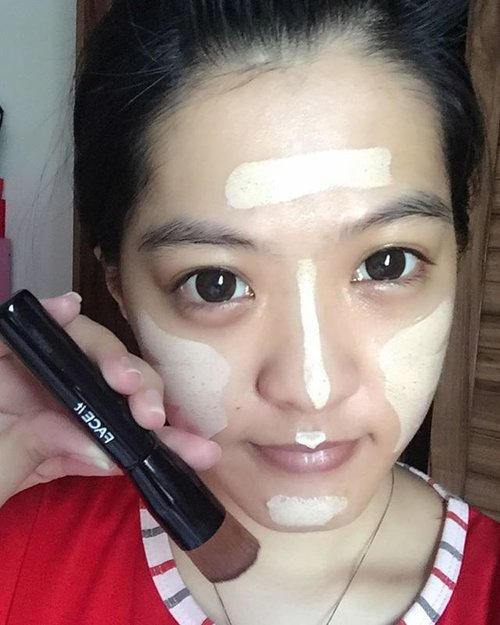 iam Using this Circle Foundation Brush to apply my Play 101 Stick Foundation 🙈 it's from @thefaceshopid #faceit #foundationbrush #circlebrush #ClozetteID