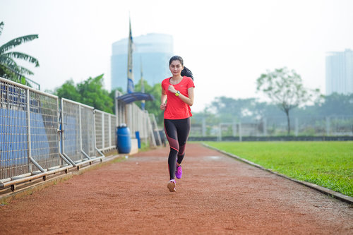 """<div class=""""photoCaption"""">Feels like I could fly when I can run freely  <a class=""""pink-url"""" target=""""_blank"""" href=""""http://m.clozette.co.id/search/query?term=NikeFree&siteseach=Submit"""">#NikeFree</a>  <a class=""""pink-url"""" target=""""_blank"""" href=""""http://m.clozette.co.id/search/query?term=ClozetteID&siteseach=Submit"""">#ClozetteID</a>  <a class=""""pink-url"""" target=""""_blank"""" href=""""http://m.clozette.co.id/search/query?term=NikeWoman&siteseach=Submit"""">#NikeWoman</a></div>"""
