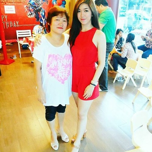 """My Mom always said that i'm pretty and i always answer it """"yeah, i'm pretty as you Mom"""". Thankyou always support me and loving me. This the another way that i showing you my big love for you, my SuperMom. I LOVE YOU and Happy Mothers Day. #MeAndMom #Bankbjb #BiggerStrongerBetter #StarClozette #ClozetteID"""