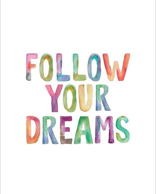 """""""Jika kau sedang berusaha mewujudkan sebuah mimpi yang orang anggap mustahil. Percayalah, Tuhan dan takdir Nya akan mengantarmu pada sebuah akhir bernama bahagia"""" - #heizyi #clozetteid #CelotehRasa #quotesoftheday #apalahakuini #hanyaseorangyangmencobamemelukbulan #positivevibes #thinkingoutloud"""