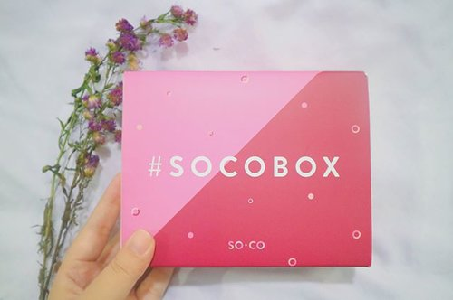 Look what i've got from #SOCOBOC from @sociolla x @brunbrun_paris 🌸💕..Produk apa aja sih yang gue dapet?•BrunBrun Two Phase Make Up Remover•BrunBrun Daily Cleanser Brightening•BrunBrun Daily Moisturizer Brightening•BrunBrun Peel Off Mask Moisturizing Strawberry•BrunBrun Peel Off Mask Delightful Chocolate•BrunBrun Lip Cheek Eye Color..Penasaran banget buat cobain karena sebelumnya gue udah pake lipstiknya dan makin kepengen cobain produk BrunBrun yang lainnya. So, tunggu full reviewnya di blog ya!..Btw, lo juga bisa dapetin produk dari #SOCOBOX yang sesuai dengan tipe kulit masing-masing dengan cara sign up dan isi beauty profile di soco.id 🤗😁..Super duper thank thank you @sociolla @beautyjournal 🎉🎁❤️ #BeautyPop #ClozetteID