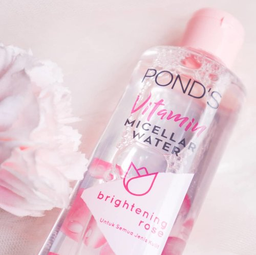 Short-Honest-Review🌸[Ponds Vitamin Micellar Water].Showing my current cleansing water from @pondsindonesia and I like it!I usually use it for my natural makeup and also as a cleanser in the morning, because its simply easy and remove dirt from the night. For heavy makeup, I recommend to use oil or balm cleanser.This product can not remove waterproof makeup and sunscreen (yes we need oil cleanser to remove sunscreen)👌.This product smells so good, I love rose extract. I like this product bcs my skin dont feel dry after using this aaand my skin brighter that before. For the price, it's cheaper than my another cleanser water product I have😂.100% alcohol free, so I think this is good for all skin type🌸.............#skincarejunkie #skincarereview #micellarwater #micellarwaterponds #micellarwaterproduct #cleansingwater #skincareforyour20s #skincareproducts #skincarecommunity #skincareroutine #doublecleansing #cchannelfellas #clozetteid #pondsindonesia #reviewskincare