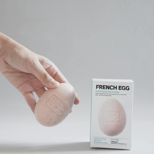 This cute egg is not really an egg, but its a powerful soap bar that can refine your pores and purifying your skin!With French Pink Clay, @arenciaofficial Real French Egg will give you fresh skin for every use.I'm using this product for my first cleanser in the morning and my skin got pretty good, smooth, and clear.Curious? Buy Real French Egg on my Charis Shop here hicharis.net/annisapertiwi/bdb 🐣#charis #charisceleb #realfrenchegg #frenchegg #arencia#kbeauty #beautyenthusiast #skincarejunkie #vsco #clozetteid