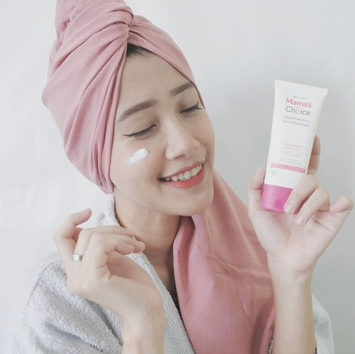 Finding safe skincare for pregnancy and breastfeeding can be a little tricky. Try Mama's Choice skincare line which is formulated without harmful chemical for mommy and baby. Review up here https://www.akpertiwi.com/2020/09/skincare-aman-untuk-ibu-hamil-dan-menyusui.html