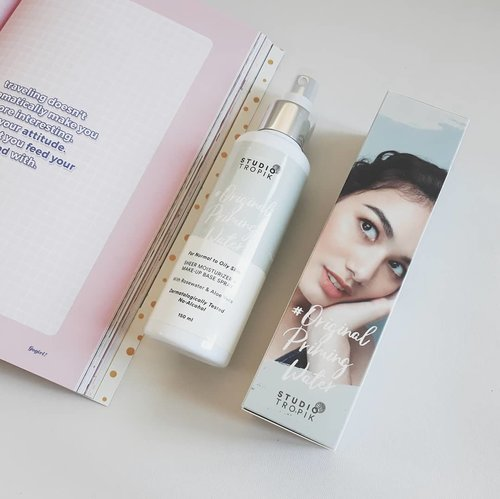 @studiotropik is taking makeup base to another level! Meet Original Priming Water, our 1st local brand's Primer Spray.  Thanks to @beautiesquad & @nihonmart aku bisa nyobain produk fenomenal ini. Gimana cara pakenya? Ingredientsnya apa? Tungguin aja yaaa full reviewnya di akpertiwi.com  #Nihonmart #Beautiesquad #BeautiesquadxNihonmart  #StudioTropikPrimingWater  #vsco #clozetteid #beautyblogger