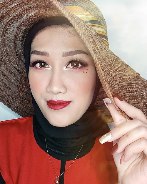 Yang lipstik merah jangan sampe lolos 😆Join #RedBeatsCOVID Challenge! Fight this pandemic by wearing red lipstick because we're all strong together ❤...@getthelookid #GoRougeSignature #JessMakeupLooks #makeup #makeuptutorial #beauty #boldmakeup #beautyblogger #beautybloggerindonesia #tampilcantik #storieid #qupasbeauty #makeuplooks #makeupaddict #makeupjunkie #clozetteid #makeupoftheday #flawlessmakeup #indobeautysquad #indobeautygram #ivgbeauty #indobeautyinfluencer #beautyinfluencer #beautyenthusiast #bccindo #hijabersbeautybvlogger #beautysecretsquadrepost @indobeautysquad @beautybloggerindonesia @hijabersbeautybvlogger @beautysecretsquad @cchannel_makeup_id