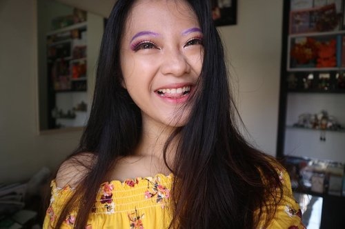 A girl should be like a butterfly. Pretty to see, hard to catch!🦋 . heiyy guys!! really2 excited to join EGGA Batch 2!! reallly want to upgrade my mkup skills, find new friends, and share my experiences to u !! #eminagirlgang #eggabatch2 @eminacosmetics #clozetteid