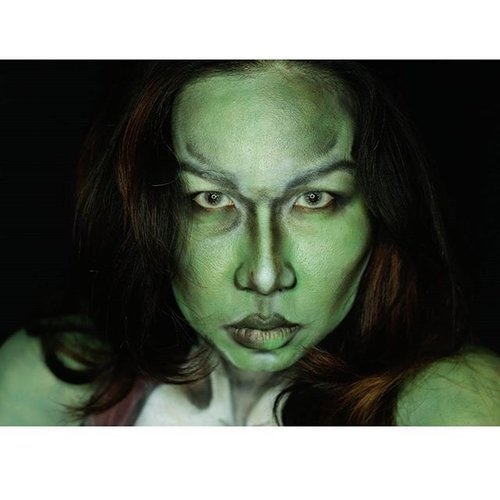 SheHulk in another take 😘😘💝💝 the video tutorial is in editing process but am too lazy to finishing 😚😂 ..#clozetteid #indovidgram #indobeautygram #picoftheday #facepainting #bodypainterjakarta #facepaintingjakarta #dupemag #illusionmagazine #jinnymakeup  #annalingis #mariamalone1122 #jordanhanz #mykie_  #re_fab #blendthatshit #sfxmakeup  #specialfxmakeup #belajarmakeupjakarta #amazingmakeupart #jewshopalot