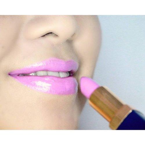Produk lokal itu ga kalah keren.loh sama produk luar. Buktinya lipen dari @inezcosmetics - colour contour series shade bougenville ini deh...warnanya segar, pigmented, dan ga bikin kering bibir. Hayok dicoba deh ^^ . . #clozetteid #belajarmakeupjakarta #muajkt #jasamakeupartist #jasamakeup #makeupartistindonesia #motdindo #potd #wakeupandmakeup #mayamiamakeup #pinkperception #lipstick #lipaddict #lipjunkie #lippies #lipstickmafia #lipstickaddicted