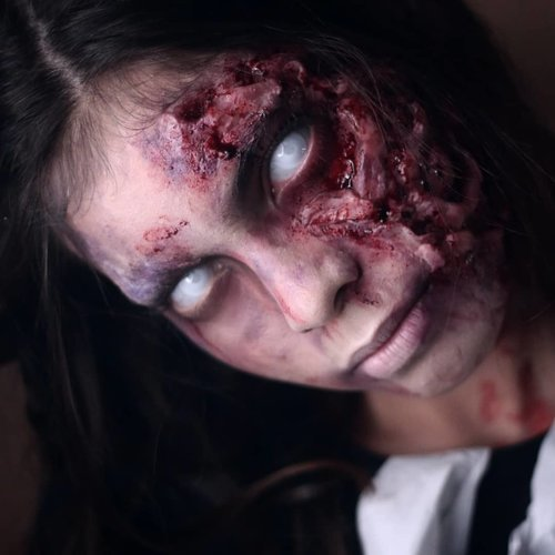Happy Weekend Everybody 😁 So this is another ghost for @filmsunyi, and this one is Esther De Fretes, who died falling from rooftop of her school building. Played nicely by @nicolaanstee__ 😊🤗.This actually taken during makeuptest, so its slightly different from the movie. I am using #synwax from @mehronmakeup here, while during shooting process i am using #platsilgel00._________.Selamat malam minggu gaes. Kalian mau ditemenin sama Esther De Fretes? Kalo iya, cus nonton @filmsunyi kuy, masi diputar kok 👻👻..#FilmSunyi #WhisperingCorridors #filmhororindonesia #muajakarta #sfxmuaindonesia #sfxmakeup #mehronmakeup #goremakeup #thebloodybay #horrorhags #ibv_sfx #ibv #indovidgram #ivgcommunity #specialeffectsmakeup #sfxmakeup #sfxmakeupaddict #fdbeauty #clozetteid #wakeupandmakeup #dupemag #kbbvmember