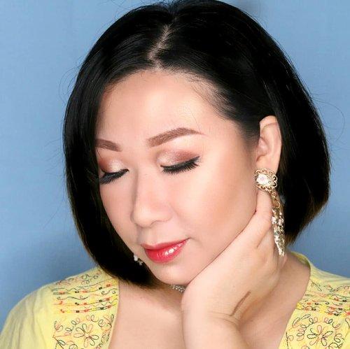 As usual, #minitutorialfor this look will be posted later today, in case you interested 😆..Using some thai makeup stuff --> #in2itthailandBB cream bright 5 in 1, brow pencil (which can be used DRY or WET for intense color) and mix of #miniso glossy lipstick and in2it water gel tint.--------------------------------------.Gw kok liatnya kaya foto jaman jadul ya 😅 tuto meap jadul ini bakal gw uplot later today, in case lo minat tuto meap jadul ini. Kl ga minat jg ttp gw uplot, soalnya gapunya stok laen. Hohoho..#makeupoftheday💄 #makeupnatural #naturalmakeup #softglamlook #bunnyneedsmakeup #tampilcantik #tutorialdandan #bvloggerid #kbbvmember #maryhadalittleglam #fdbeauty #Clozetteid #inspirasicantikmu #inspirasimakeup