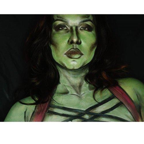 SheHulk 😘😘😘💝💝💝 i like the way my hulk shading makes me moree slimmer 😄😄😄😄..➡ @mehronmakeup #paradisemakeupaq white and green➡ @nyxcosmetics primal color hot green➡ @thebalmid nude tude palette for shading along with➡ @sugarpill bulletproof and tako ..#clozetteid #fotdibb #potd #faceart #facepaint #bodypainterjakarta #facepaintingjakarta #dupemag #illusionmagazine #jinnymakeup  #annalingis #mariamalone1122 #jordanhanz #mykie_ #lauraj_sfx #clairebryant1848 #beautybybellinda #luvekat #lespinceauxdecaro #muaindonesia #belajarmakeupjakarta #amazingmakeupart
