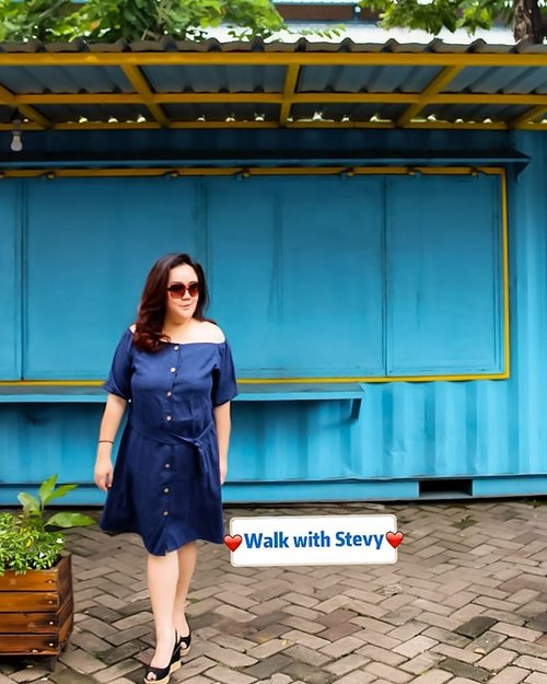 My super blue outfit from @hanbai.store and my classy sunglasses @cottonon completed with my comfy wedges surely from @paylessid . . . 📸 @matthewckck 💇‍♀️ @madassbyndaru . #lifeissosimple #travelwithstyle #stylewithme  #loopsurabaya #exploresurabaya #selfie #stevydiary #thanksgod #instagram #walkwithstevy #celebratemysize #plusmodelmag #lookbookindonesia #ootd #endorsement #ootdasia #clozetteid #BalgaMags #ootdfashion #styleindo #ootdbigsizeindo  #pmmlovemybody