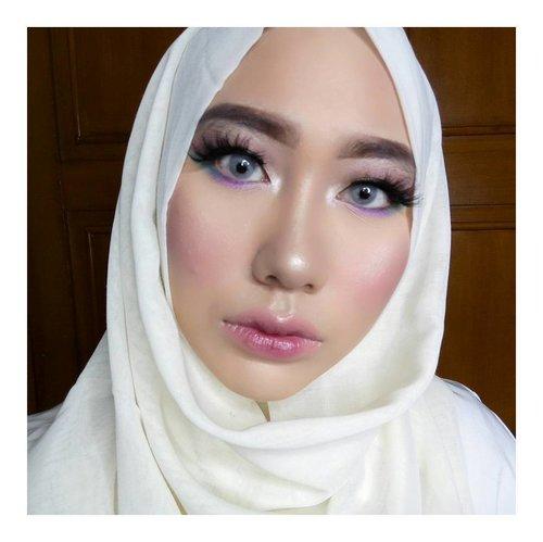 This is my spring makeup 👒💐 #makeup #makeuptutorial #makeupartist #mua #muajakarta #instamakeup #spring #springmakeup #hudabeauty #wakeupandmakeup #atomcarbonblogger #clozetteid #mootd