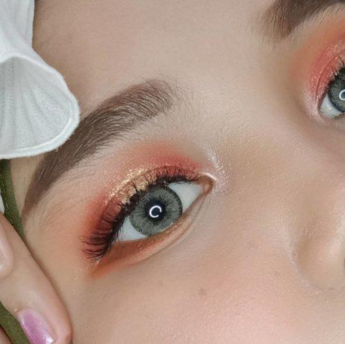 Everyday eyeshadow palette with @imagiccosmetics 𝘽𝙖𝙗𝙮 𝘾𝙪𝙩𝙚 𝙀𝙮𝙚𝙨𝙝𝙖𝙙𝙤𝙬 𝙋𝙖𝙡𝙚𝙩𝙩𝙚✨I am really amazed by the quality of this eyeshadow 😍😭 Pokoknya kalian wajib banget cobain! warnanya pigmented banget, apalagi shimmernya.. Fall-out nya juga sedikit banget, bahkan bisa dibilang gaada 😱.𝙒𝙖𝙣𝙣𝙖 𝙏𝙧𝙮 ? @imagicofficial_id....Tags: #imagic #imagiccosmetics #imagicprofessionalcosmetics #imagiceyeshadow #imagicpalette #eyelookoftheday #makeupideas #makeupoftheday #cantiknatural #cchannelbeautyid #cantikekonomis #belajarmakeup #inspirasicantikmu #ragamkecantikan #tampilcantik #makassarbeautygram #clozetteid #lfl #lfl💛 #jakartabeautyblogger #welovecoco #makassarbeauty #beautycontentcreator