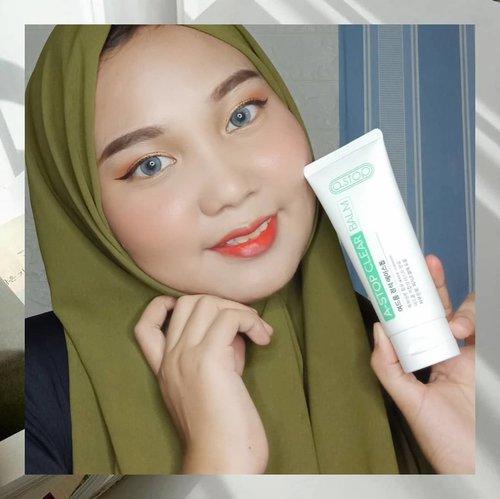 looking for the best moisturizer for acne-prone skin, Try out this @a.stop2man Clear Balm ✨-A.stop ini merupakan Brand Korea yang sudah terkenal ampuh mengatasi jerawat! Dengan kandungan Raspberry, Shea Butter, Aloe Vera Extract, White Willow Extract dan Wild Berry Extract .. dipercaya dapat membantu menenangkan kulit berjerawat-Teskturnya lumayan creamy, warnanya putih, gampang diblend, cepat meresap dan tidak menyumbat pori-pori ~~ hasilnya kulit terasa smooth and hydrated ♡♡-Where To Buy:https://hicharis.net/anisa/NrD#charis #charisceleb #astop #astopclearbalm #hicharis #charisindonesia #kbeauty #kskincare #koreanskincare #clozetteid @hicharis_official @charis_celeb