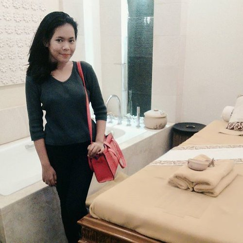 Thankyou @marthatilaar_sds_alamsutera @zalonku to pampering me today 💜💜 ....#makeup #beauty #beautyblogger #indonesiabeautyblogger #indobeautygram #bblogger #asianblogger #indonesia #muotdindo #like #like4like #follow #instabeauty #followforfollow #likeforlike #makeupindo #makeupindonesia #instafashion #fashion #clozetteid #clozetteapp #l4l #like #follow #ibb #f4f