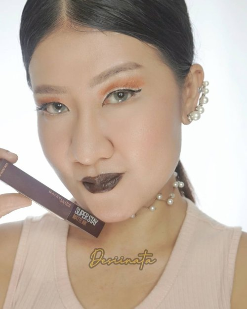 Maybelline  SuperStay Matte Ink x @kopijanjijiwa .  _ ⭕Slide 1 : shade 280 Espresso Enthusiast ⭕Slide 2 : shade 255 Chai genius ⭕Slide 3 : shade 265 Caramel Collector ⭕Slide 4 : shade 260 Hazelnut Hypnotizer ⭕Slide 5 : shade 270 Cocoa Connoisseur _ Yuk pilih favorit kesukaan kalian ??? .  #SuperstayCoffeeLaunch #MaybellinexJanjiJiwa #CoffeeOnYourLips #MaybellineIndonesia . . #일상스타그램 #소통스타그램 #좋아요 #좋반 #선팔 #얼스타그램  #좋아요반사 #likeforlikes #likeforlike #likeforfollow #맞팔 #선팔하면맞팔 #pursuitofpotraits  #clozetteid