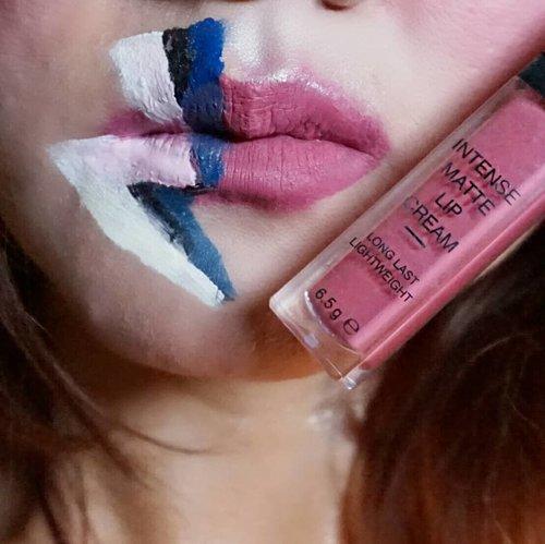 Play art my lips @transmartindonesia using lipmatte @makeoverid #LipsOutLoud #MakeOverxTransmart . . . .  #lipstick #lips #fashionista #ilovemakeup #skin #mua #muotd #makeupblogger #lipstickjunkie #lipart #clozetteid #makeupdolls #redlipstick #lipcolour #ontrend #makeupoftheday #beautyblogger #lippies #instamakeup #lipstickaddict #makeupaddicted #lipsticklover #makeup #cosmetic #lip #lipcolor #lipsticks  #makeupaddict
