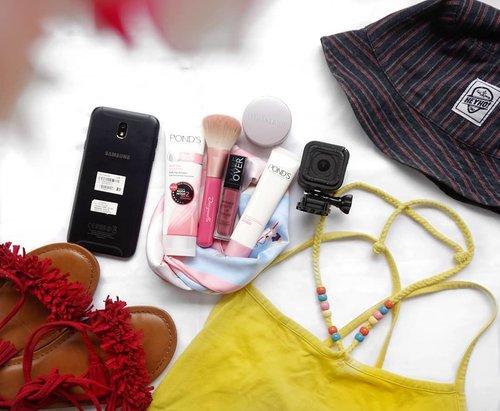@pondsindonesia #pondsgoalsgeneration  #travelgoals  #pondsxalfamart #goalsgeneration #clozetteid  #beautycommunity #instabeauty #beautyobsessed #koreanskincare  # #beautytips #skincareaddict #facecare #beautygram #beautylover #beautyblog #skincareblogger #flatlay  #beautytalk #phonephotography #beautycare