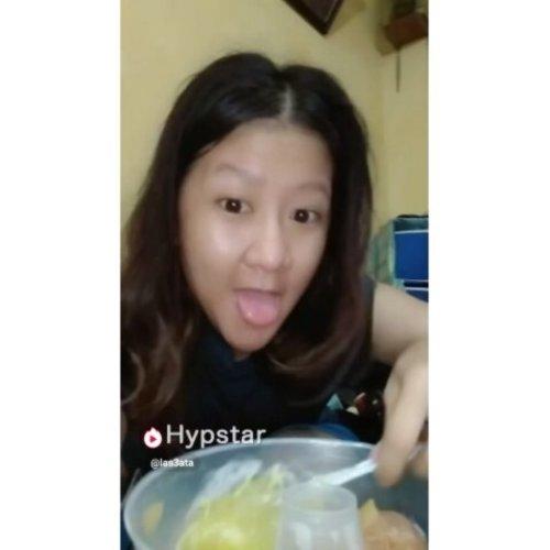 Menu diet tiap malam di kala lapar melanda ~ Menu diet Jelly Summer Mango ~ __Story -- Jdi menu ini tdk yg mau makan menu diet ini dirumah kecuali gue krna gue doank yg gemuk krna Jelly Summer Mango andalan gue niat kurus 😂😂Yukkk cobaaa gaess @hypstar.indonesia#clozetteid #hypstarindonesia #hypstar