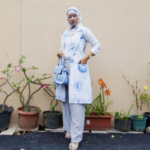 #clozetteid #komunitas_hijab_indonesia #wanitaberhijabindonesia #hijabstyleindonesia #hijabootdindonesia #hijabersindonesia #cantiknyaberhijab #hijaberindonesia #hijabindonesia #wanitaberhijab #hijabindokece #ootdhijabindo #dailyhijabindo #ootdhijabers