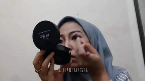 Make up kondangan tadi siang ~Maapin video yang tydac proper ini. Karena ku masih newbie bikin video 🙃.#clozetteid #makeup #makeuptutorial #hijabstyle