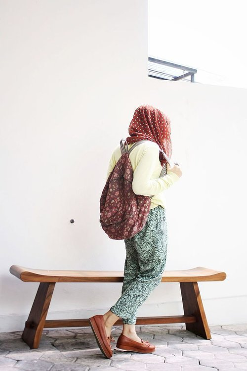 All about Pattern: Hijab, pant, and bag :)