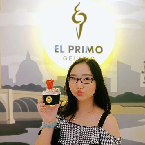 ~ Feb 22, 2019.Ice cream gelato di Semarang itu udah banyak banget pilihan nya, mau yang di daerah Semarang bawah maupun atas, udah banyak banget yng jual ice cream gelato. Kalau aku sih, udah pernah coba gelato di 3 atau 4 tempat sih, tapi yang paling enak dan mantap rasanya ya cuma di @elprimogelatio 😍 Biasanya abis cobain kalo ketagihan bakal mampir lg, dan aku sudah 2x ke El Primo Gelatio, biasanya sih aku ke yang pusatnya lgsung di jalan ngesrep timur, banyumanik, tempat nya juga cozy abis! ❤ ada juga loh di @kozy.resto jadi setelah kenyang menyantap hidangan, bisa menikmati dessert ice cream nya El Primo Gelatio di resto tsb .Menurut aku pribadi, @elprimogelatio adalah Ice Cream Gelato TERENAK di SEMARANG 🍦🍧 Rasa manisnya yang pas, varian rasa yang sangat banyak, serta harganya juga bersahabat. Gak lagi2 deh pindah ke lain hati, kecuali nemu yg lebih enak dari ini di Semarang.. Btw, aku bicaranya yng di Semarang ya dan ga ngebandingin di kota2 lain 😆 .Varian rasa dari @elprimogelatio itu buanyak banget! Mulai dari yg manis, gurih, bahkan yg trbuat dari buah2 segar juga ada loh! Rasanya beneran kayak buah asli ada manis kecut2 gitu 🍧 Selain ice cream cup, ada juga loh varian cone, croissant, bahkan mau dibuat cake juga bisa! Adapula topping2 cookies & macaron yang cute yng akan mempermanis gelato yang kita pesan 🎉 .Buat aku sih, ini RECOMMENDED banget! No endorsement guys! Alin sih kalo mmg ga enak bakal blg ga enak dan gak akan mampir lagi 😂 Nah, kalau yang Ice Cream Gelato di @elprimogelatio emang beneran enak makanya balik lagi utk kedua kalinya ❤ Siapa yg mau ngajak aku kesana lagi? Yukk Hahaha .El Primo Gelatio @elprimogelatio berada di Jalan Ngesrep Tim. V No.33, Sumurboto, Banyumanik atau kalian jg bisa kunjungi @kozy.resto di daerah Papandayan👌 .#AForAlinda #alindaaa29 #alindaaa #alinda #diarylovalynda #ClozetteID @bloggervloggersmg #BloggerVloggerSMG #jalani_nikmati_syukuri #rejekigakketuker #kulinersemarang #makandisemarang #kulinerdisemarang #makanan