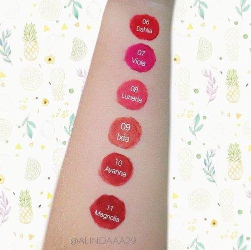 Masih berantakan ya swatches nya? Iya, tahu kok namanya juga masih belajar.. Hihihi 🙊.Swipe 👉 terus ya, untuk melihat swatches saat aku pakai di bibir 😆.@purbasarimakeupid Hi- Matte Lip Cream New Color memiliki warna-warna yang sangat cantik dan pigmented serta memberikan kesan smooth di bibir. Warna baru Purbasari Lip Cream ini menghadirkan 4 shade bold dan 2 shade nude. Nah kalian #TeamBold atau #TeamNude nih? Kalau aku sih jelas #TeamNude dan aku memilih shade no 08 Lunaria sebagai favoritku. Kalau kalian?.Purbasari Hi- Matte Lip Cream memiliki tekstur yang ringan di bibir dan ga lengket saat bibir dikatupkan. Ketahanan nya cukup baik, karena Lip Cream ini bisa bertahan lebih dari 8 jam tanpa touch up. Aplikatornya juga ringan dan tidak kaku, sehingga lip cream bisa diaplikasikan dengan mudah di bibir.Rate nya 8,5/10 deh 😆.@purbasarimakeupid@purbasari_indonesia@clozetteid@beautyjournal @beautycollab.id@beautygoers@bloggirls.id@beautychannel.id@kbbvbyacb@beautysecretsquad@beautysociety.id #AForAlinda #alindaaa29 #alindaaa #alinda #byalindamakeup #BeautyCollabID #BeautygoersID #BloggirlsID #BeautyChannelID #KBBVFeatured #BeautySecretSquad #BeautySocietyID #ClozetteID  #PurbasariHiMatteNewColor #PurbasariMakeup #Lipcream #NewColor #NewShade