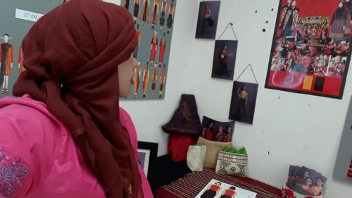 Thu, August 24th, 2017---Alhamdulillah... sidang TA #ProdiDesainMode #PoliMedia akhirnya selesai jugaah.. yuuk Sensei ajak lihat displaynya yg keyen2... 😍😍 - - - - - - - #clozetteid #hootd #modestfashion #kebaya #batikskirt #headscarf