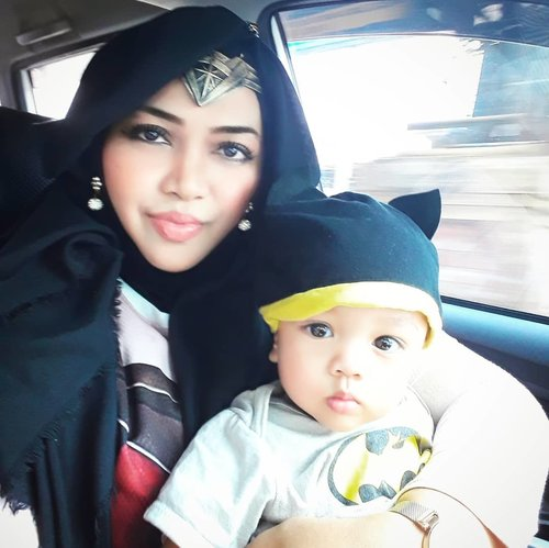 I used to like being a #princess, a typically disney princess like Jasmine and Rapunzel lolz BUT... since this lil boy come to my life , everything has changed! Now I wanna be a #superhero #warriorprincess haha! I am #WonderWoman for my family! So... this is it! A #JusticeLeague Mom and  #BatmanBaby ! 👶❤ - - - #nhkkawaii  #clozetteid  #modestcosplay #kawaiimomandbaby #7monthsbaby #parentinglife  #DCComic