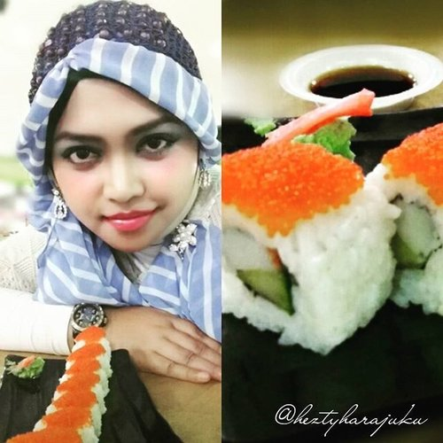 "🍣🍣🍣 July 31st, 2015 --- My temporary ""office"" during #holidayseason lolz. Bimbingan Tugas Akhir mahasiswa saya beralih lokasi ke #foodcourt #Detos lantai 2 hehehe... bon appetite!... Let's enjoy this #sushiroll ! Gee... I craved for #sushi since visiting AEONMall but I couldn't stand the queue... tooo looong kayak antri sembako lolz... so, Sushi Detos Mall pun jadilah buat ngobatin kangen haha!... ittadakimasu!... #oishii na~ (^_~)vPS: this #headscarf #scarf by @elizabethwahyuaccessories ---> the #gift from @moltoindonesia 😉 🌻💖🌻 #muslimah #coveredstyle #modestfashion #OOTD #hotd #fashion #style #clozetteid #instabeauty #foodtraveler #instafood #foodgram #foodie #Japanesefood #foodhunting"
