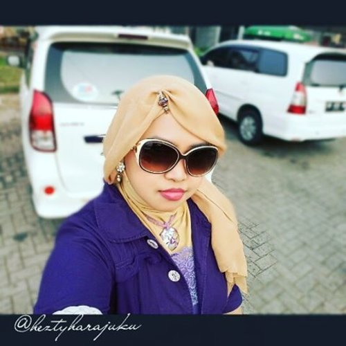 🚗⛅🌞 October 24th, 2015--- #MuslimahTraveler #Diary : Let's go to #Lampung! 😉 Ohayou!... gee... baru sampe #restarea di sekitar #Serang nih hehe. My #ootd is #casual #indigo . It will be my first time experience of visiting Sumatera from Merak hohoho... biasanya naik pesawat. I wish it will be such a nice experience for me 😄 ⛅🚘🚗 #stylishtraveler #travelinstyle #ClozetteID @clozetteid #fashion #style #modestfashion #coveredstyle #scarf #headscarf #fashiongrammer #instatravel #instafashion
