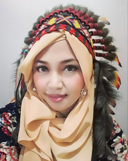 Wed, June28th, 2017 --- This is #teaser for next #photosession  in Yogya inshaAllah. I will be a #nativeAmerican #Apache #Princess hehehe 😄  I wear an #Indian #tribe #warbonet from @warungindianapache . Yeay!! - - - - - - - @clozetteid #clozetteid #hootd #fashion #style #warriorprincess #modestwear #modestfashion #stylecovered
