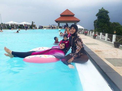 🌫🏊⛱🍩 Sun, March 26th, 2017 --- #MomandMe ... #swimming at #skypool #ResortGiriTirtaKahuripan #Purwakarta . Though the sky was #dark and #rainy ... we still #enjoy #swimming & #havefun ⛱🏊🌫 - - #hijabtraveler #clozetteid #burkini #fashion #style #modestwear #turban #happyholiday #visitPurwakarta #visitWestJava #traveling #traveler #swimmingpool #modestswimwear #hootd
