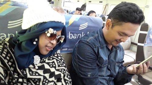 🚇🚄🚈Fri, June 29th, 2018 ---Gara2 daku ga bisa naik bis, Papih naik kereta klo mau bareng daku ke Bandung 🤣🤣 😚😘😗---- cuzz to #Bandung (again!) from #GambirRailwayStation #Jakarta . Deg2an takut ketinggalan #kereta hehehe... Alhamdulillah... pas bingit kereta #ArgoParahyangan baru sampai di Gambir pas kita sampai 😆🚈🚄🚇----#clozetteid #nhkkawaii #travelingtoBandung#travelingoutfit#train#modestwear#modestfashion#denim#knit