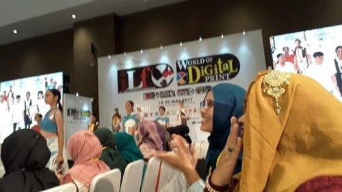 Fri, May 19th, 2017 --- 👢👠👞 #FashionShow 7 #Desainer #Polimedia #students at #IndoLeatherandFootwear2017 #exhibition . Meet our #DesainMode #PoliMedia #students . Mereka yg mau kerja keras buat sukseskan acara ini . Luv yaa... We are #ProudMama , #proud of you, guys ! 👞👠👢 - - - #clozetteid #fashion #style #hootd #mode #modestfashion #modestwear #hijabi #JakartaFashion #lecturer #catwalk #stage