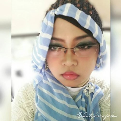 """👗👛📱July 31st, 2015 --- """"When I'm Feeling #Blue ..."""" 📱👛👗 I'm glad to know that tomorrow is the new month. Hopefully there is a #newhope  coz I am so #tired... really really... tired. 👗👛📱 #sorrow #inblue #headscarf #muslimah #coveredstyle #modestfashion #OOTD #hotd #fashion #style #clozetteid #motd #instamoment #instabeauty"""