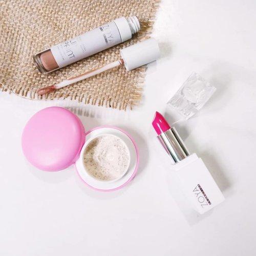 Just got a cute package from @zoyacosmetics x @girlscreation.id  1 pcs lip scrub sugar 1 pcs lip cream matte  1 pcs lipstick  Should I make an ombre lip tips? 😆  #zoyacosmetics #GirlsCreationxZoyaCosmetics #GirlsCreationID #lipstick #lipcreammatte #lipstickjunkie #lipscrub #lipcare #instamakeup #makeuplover #kosmetiklokal #beautybloggerindonesia #beautyblog #beautybloggers #bloggerlife #Clozetteid