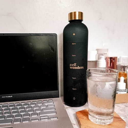 Happy weekend guys! Don't forget to drink enough water. Stay healthy, stay hydrated!...#hydrateyourskin #healthyliving #healthylifestyle #drinkwater #drinkingbottle #bottle #bottledwater #sustainableliving #stayhydrated #keephydrated #drinkingwater #igtopshelfie #itgtopshelfie #weekendvibes #slaytheflatlay #flatlaystyle #flatlayjournal #flatlaytoday #flatlayphotography #aesthetic #aestheticposts #aestheticallypleasing #aesthetic #BeauteFemmeCommunity #clozetteid  #hygge #slowlife #dirumahaja