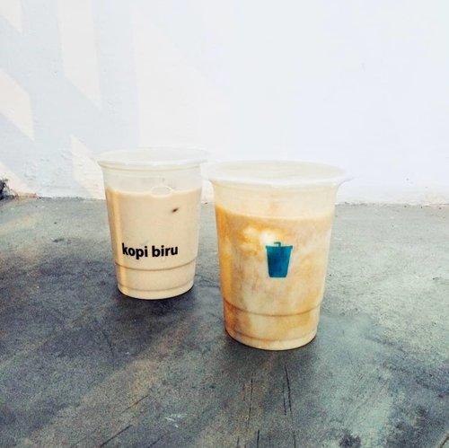 Happy weekend gais!Buat yang milih mager di rumah tapi pengen ngopi, order aja pake @gojekindonesia di @kopibiru.id. Harga super ramah di kantong.Sssttt.. Cobain Royal Banana-nya deh. Bikin nagih! 😉#kopibiru #eskopibiru #nibble #eskopi #kopigulaaren #coffeeclubid #coffeetime #weekend #weekendvibes #coffeegram #instacoffee #coffeeonthego #coffeetogo #clozetteid