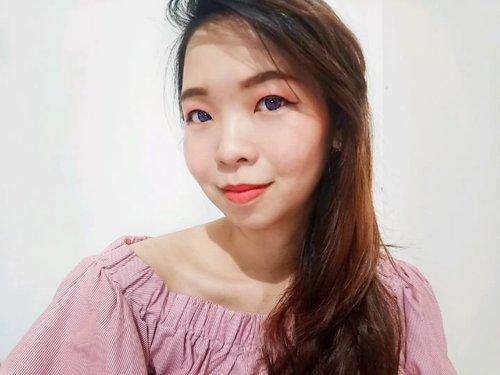 Simple eye, cheek, lip makeup only by using @fabilbeauty.official  lip cream. Cocok banget buat kita yang lagi keburu2 dan perlu tampil fresh secepat kilat. Gak usah khawatir sama teksturnya karena memang sudah didesain sedemikian ruoa hingga bisa dipakai di mata, pipi, dan bibir.Mengandung ekstrak Moringa, halal, dan aman dibawa wudhu. Selengkalnya silahkan cek aja blog/ youtube aku say.#smartbeautycommunity #SMBxFabilBeauty #fabilbeauty #LipCreamFabil #SMBReviewCollab #lipcreamhalal #lipcreamlover #clozetteid #qupas