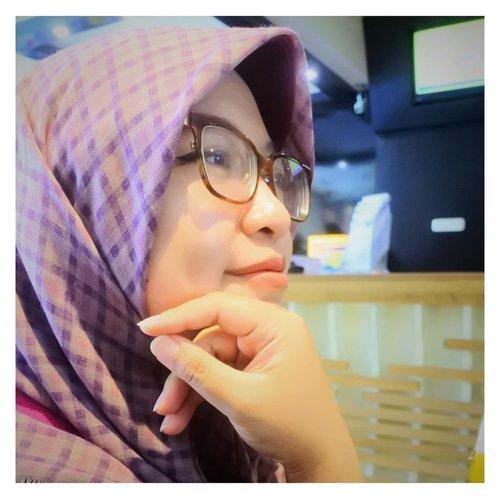 Menanti 🌾-📷 @sely_manis_1601 .#portrait #closeup #hijab #canonphotography #instashot #instapic #clozetteid