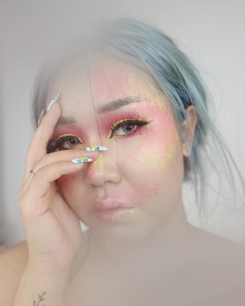 H U S H🎶 - @yellowclaw & @weird.genius (feat. @creikko) inspired makeup.  better late than nothing. help me tag 'em👇🏻            #hush #yellowclaw #weirdgenius #makeup #creativemakeup #tiktok #tiktokindonesia #indobeautygram #clozetteid #tasyashoutoutfarasya